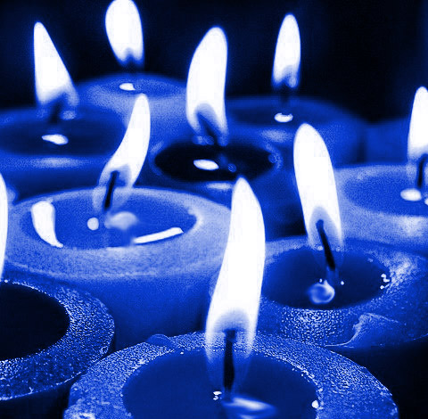 blue candles icon